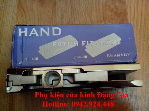 Phân loại kẹp kính inox Hand 1