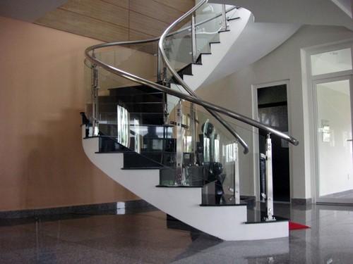 Cấu tạo của cầu thang kính 1